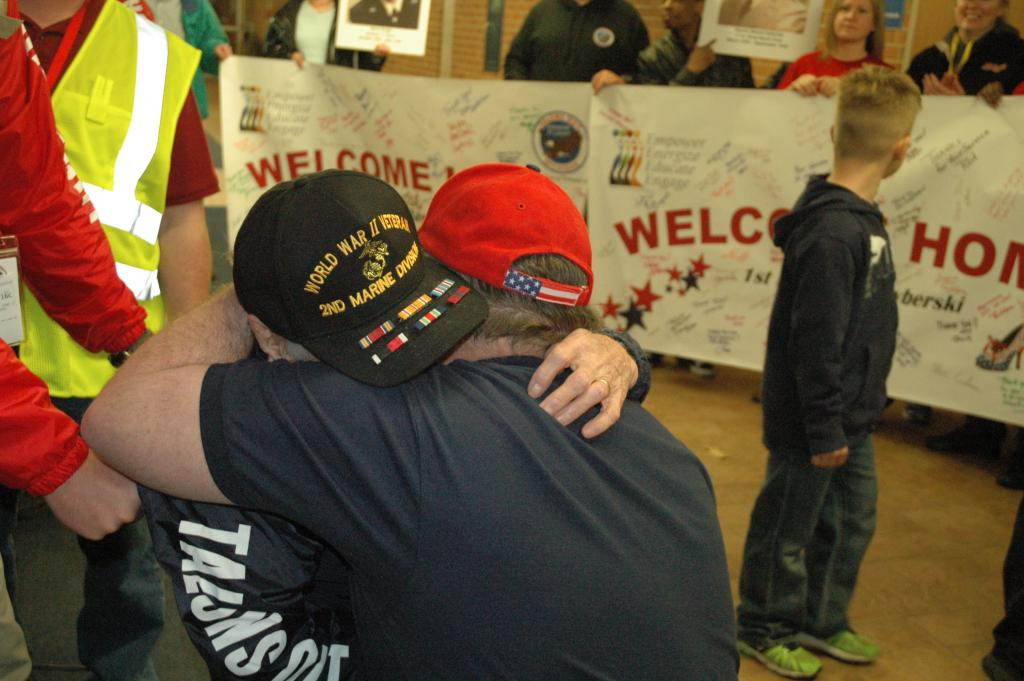 """An Open Letter to @TalonsOut Honor Flight http://t.co/2WNbhGZYTH This vet wants to tell you """"thank you."""" Please RT http://t.co/hPUtBwD2We"""