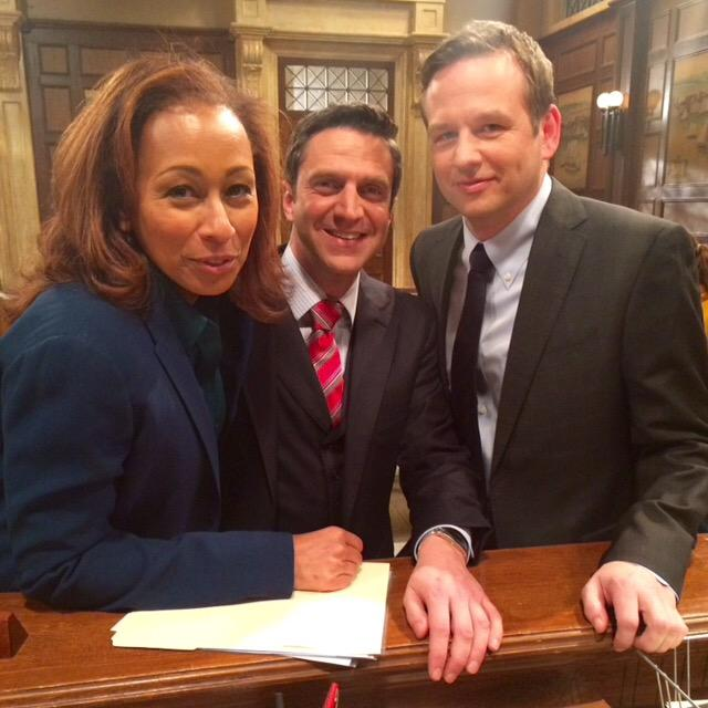 They won't be smiling tonight:  #SVUChicagoCrossover #SVU #DaydreamBeliever @TheRealTTunie @RaulEEsparza #judgejenna http://t.co/B61HEW5jrl