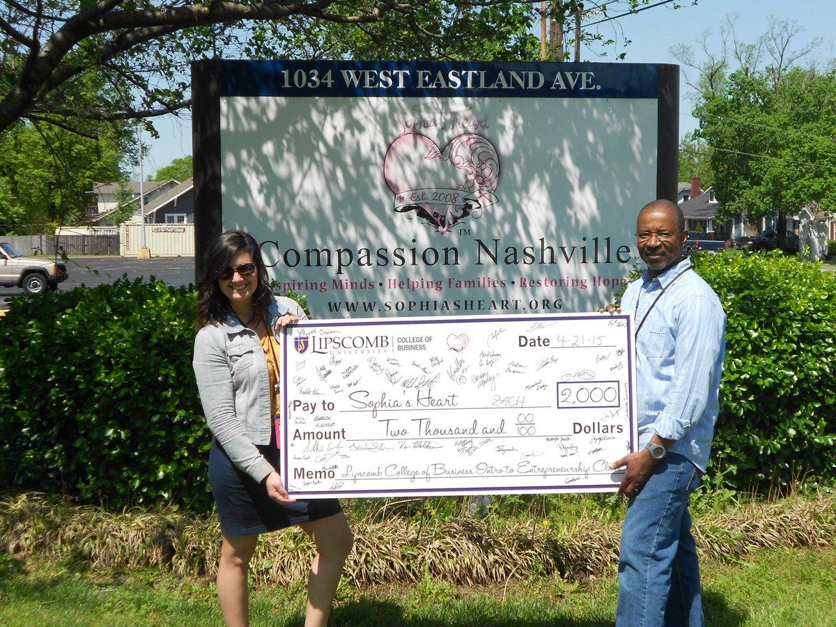 Lipscomb Entrepreneurship class donates $2,000 to @sophiasheart we are so thankful & proud of the students project! http://t.co/2BUQvvv6Dg