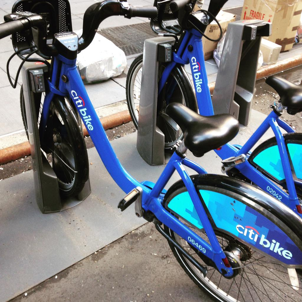 Loving my new daily commute! @CitiBikeNYC http://t.co/S4LsGcq5hW