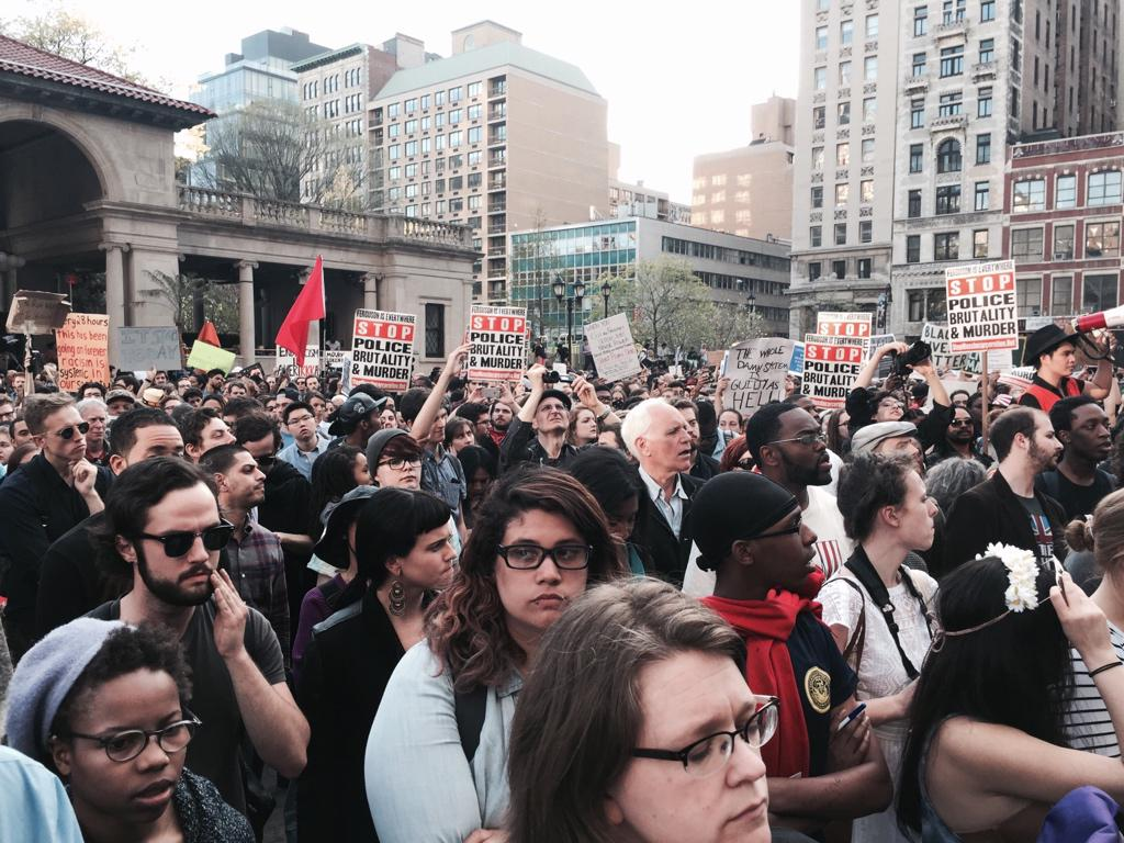 "Crowd chants ""Black Lives Matter"" at pro-Baltimore rally in New York's Union Square. http://t.co/7rh05uY4rt"