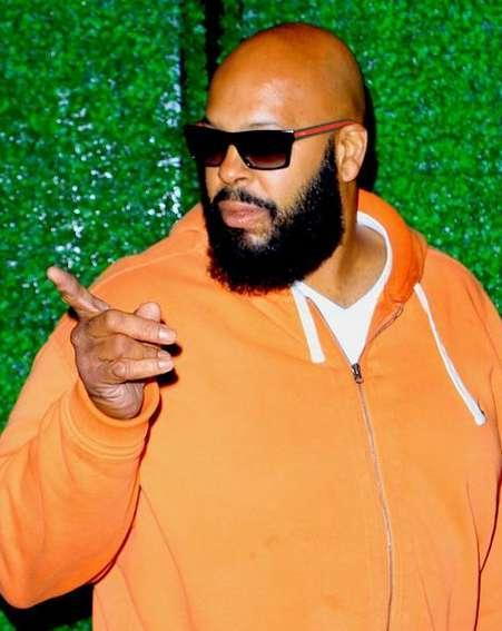 Suge Knight's lawyer files to dismiss murder charges