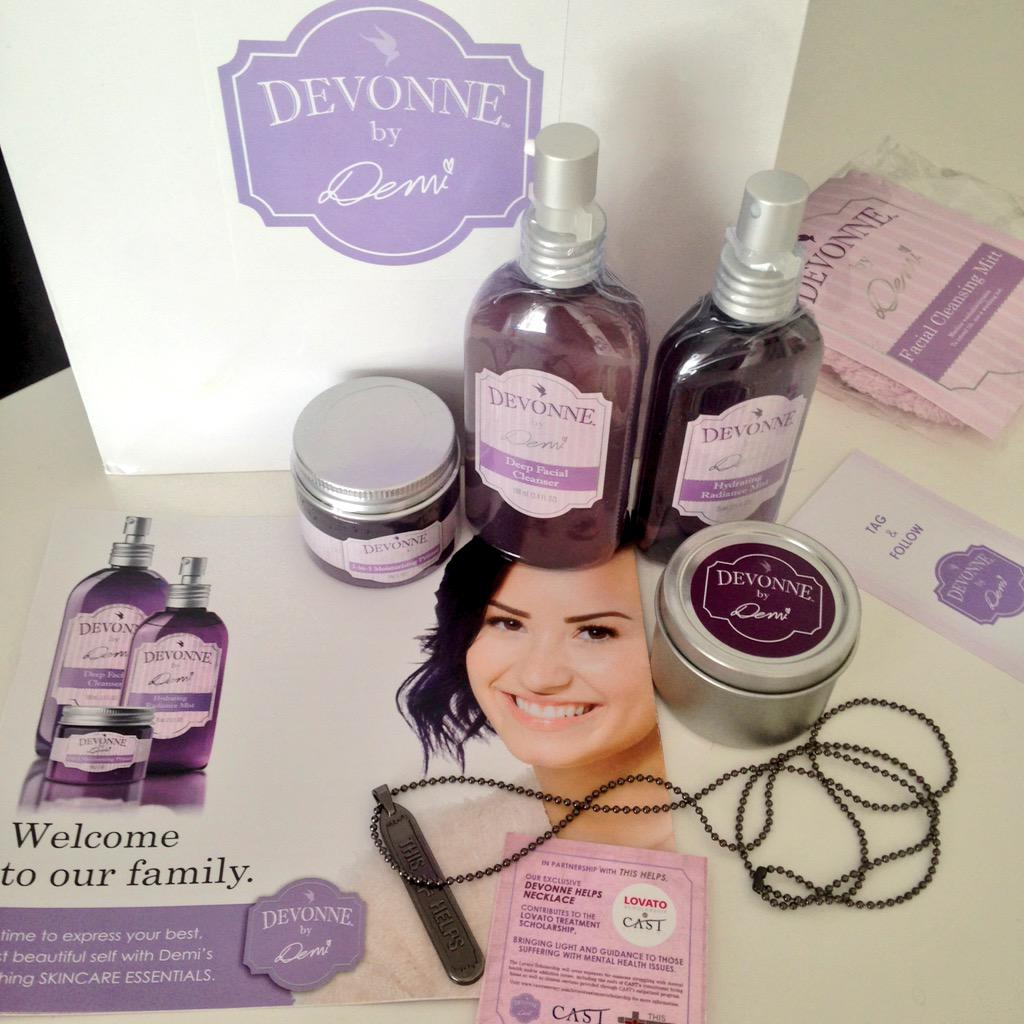 Love how #DemiLovato gives a portion of @devonnebydemi proceeds to the #LovatoTreatmentScholarship #DevonneHelps✌️