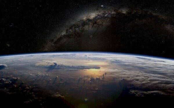 Earth as seen from space http://t.co/gr8BcVy0pI