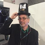 A flip animation machine in a hat. From Flipbookit. Why not? At #MakerCon http://t.co/NbDbqOwB2i
