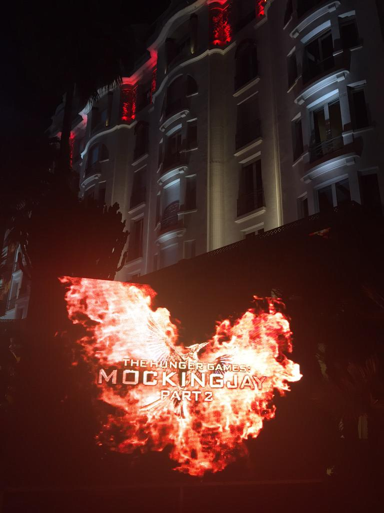 The fires of Mockingjay Part 2 burn under the Majestic Barriere #Cannes2015 http://t.co/oWg69nvEby