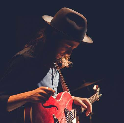 tonight // @JamesBayMusic with @ElleKingMusic // #soldout http://t.co/gmLCQQnqhr