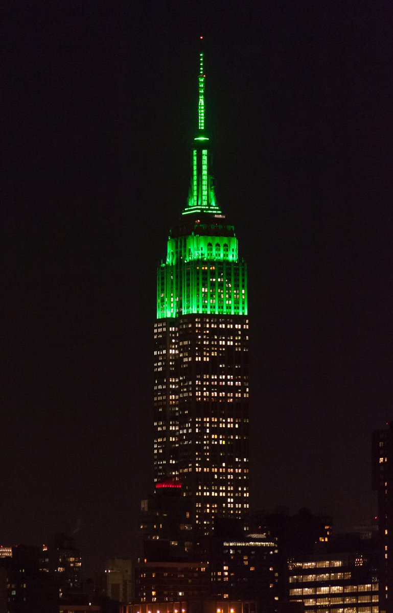 Look to the sky when you step out tonight, #NYC! The @EmpireStateBldg is lit green in support of our #RHBenefit http://t.co/ADQN2qGiXG