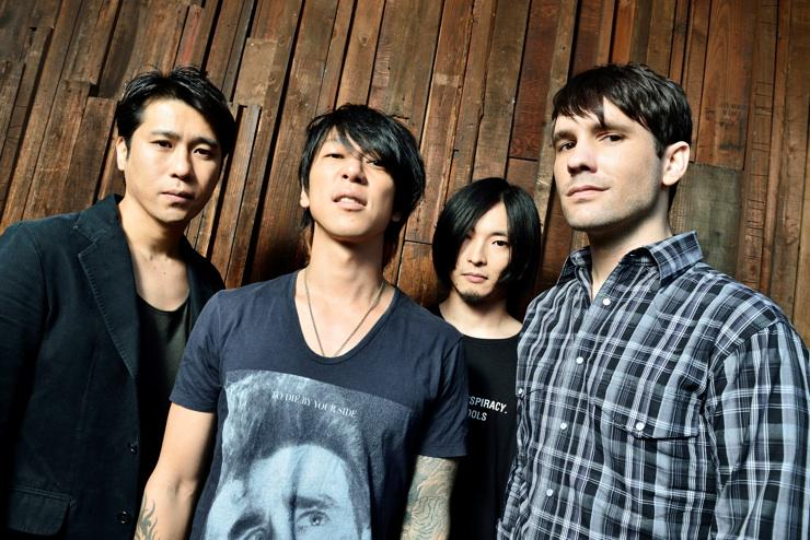 #ニュース 細美武士、新バンド「MONOEYES」始動&1st EPリリース決定 http://t.co/4qfPUXg1os http://t.co/iVrqhj2EL9