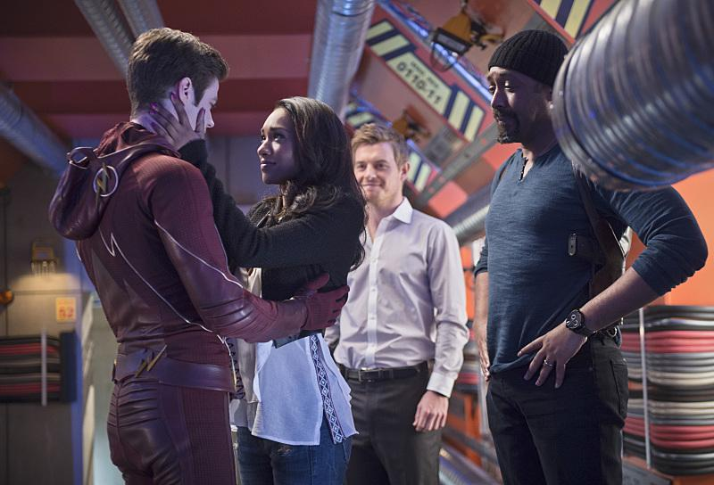 "First look at #TheFlash season finale, ""Fast Enough."" Should we get our Kleenex ready? #WestAllen #Firestorm http://t.co/DsUEzXeMiX"