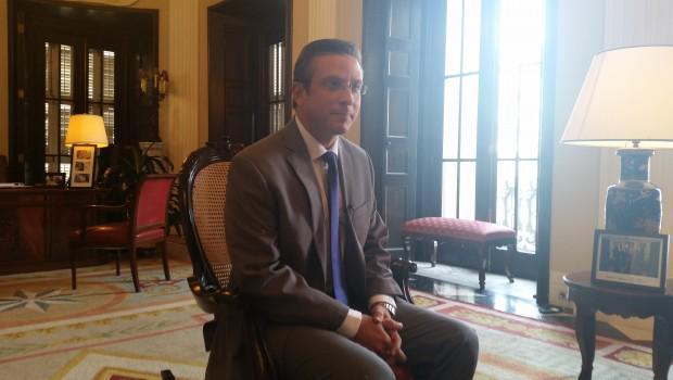 García Padilla dice no recortará presupuesto de la UPR http://t.co/nw1LEmRB0a http://t.co/v3EXhlBkrM