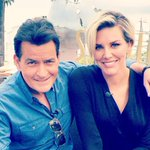 Watch @ExtraTV tonight. I'm co-hosting with @CharissaT.  http://t.co/nLnDbPIhbQ http://t.co/aIdiT3E7sP