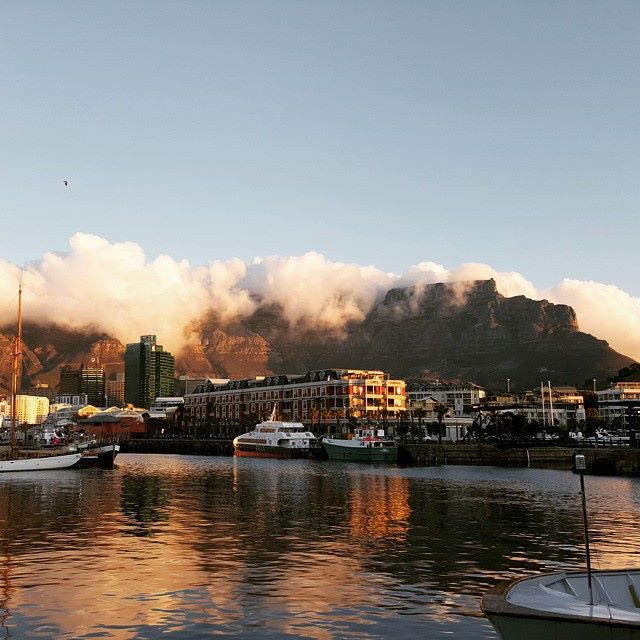 A beautiful shot captured from across the harbour! Photo credit:moe vadee. #LoveCapeTown #TableMountain #LuxuryTravel http://t.co/3oSyCxGawg