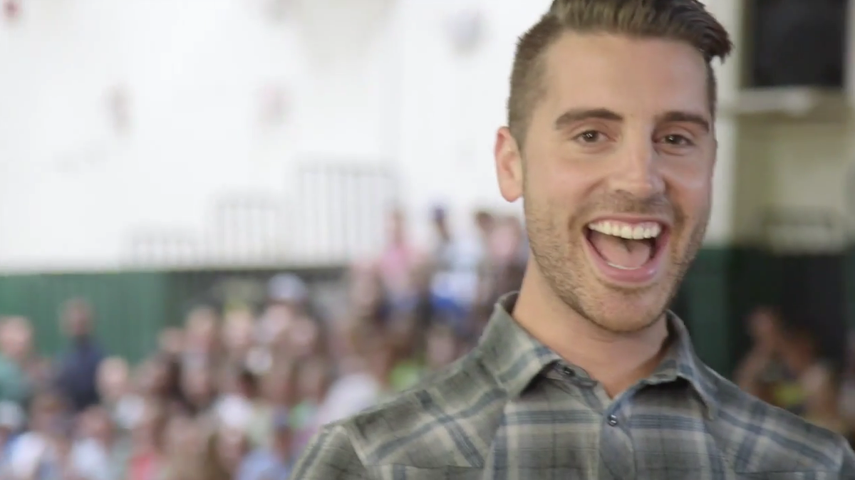 @nickfradiani CT loves their guy on American Idol , the guy with a million dollar smile. https://t.co/rhLUFuTIQ6 http://t.co/NnmmCnmNGU