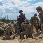 Ukrainian National Guard trains with US Armys 173rd Airborne Brigade during Fearless Guardian in Yavoriv, Ukraine http://t.co/xuGzsKfOLi