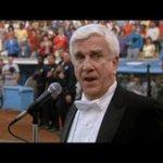 Se viene el himno de USA y nadie lo va a hacer como el http://t.co/RTfneS1s4w