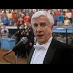 Nadie canta el himno yanki como Enrico Palazzo http://t.co/mudwXZ2dEb