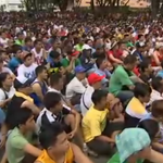 Cámara en vivo en Filipinas con gente mirando #maypac http://t.co/fjEQtqFt9S http://t.co/dyHPcLsn8q