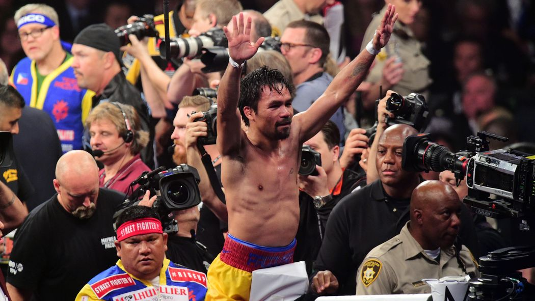 Holyfield & Mosley score it for Pacquiao http://t.co/JphxnEWsLM http://t.co/teeNjZWMBN