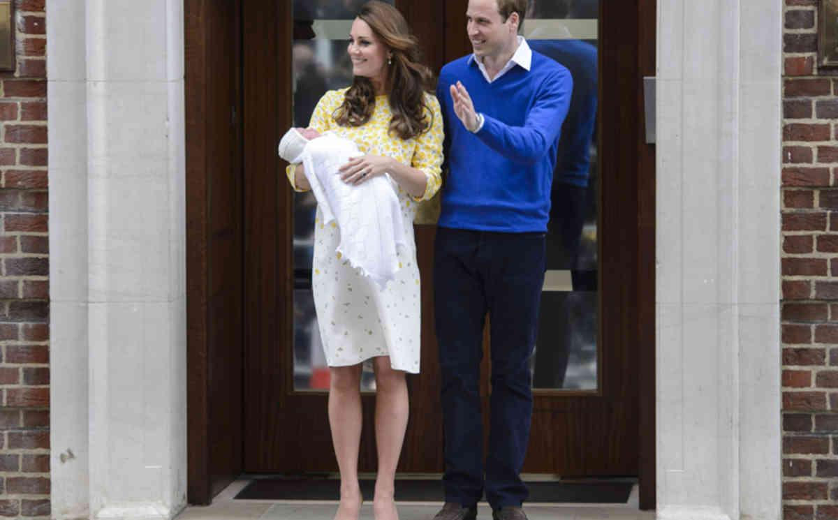 New post: Did you feel like wearing tracksuit bottoms, Kate? http://t.co/8y8rQQncaC http://t.co/klIFyJEz6q
