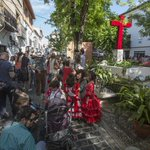 Unas cruces multitudinarias http://t.co/YlWmVTGEdx http://t.co/yUgpdVuCDo