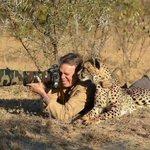 Así es como los hombres de verdad disparan a los animales! #SabeMejorNoRenunciar a preocuparse por ellos. http://t.co/5aHHNccmev