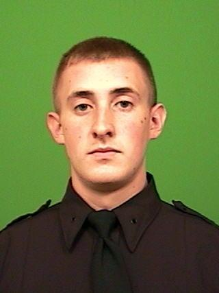 Prayers for officer Brian Moore, shot n the head in his patrol car, just doing his job. #NYPD http://t.co/WsD9YRNtkt
