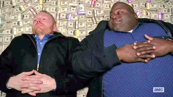 Пакьяо и Мэйвезер вернулись в раздевалку после боя. http://t.co/TQ0xvxFUi5