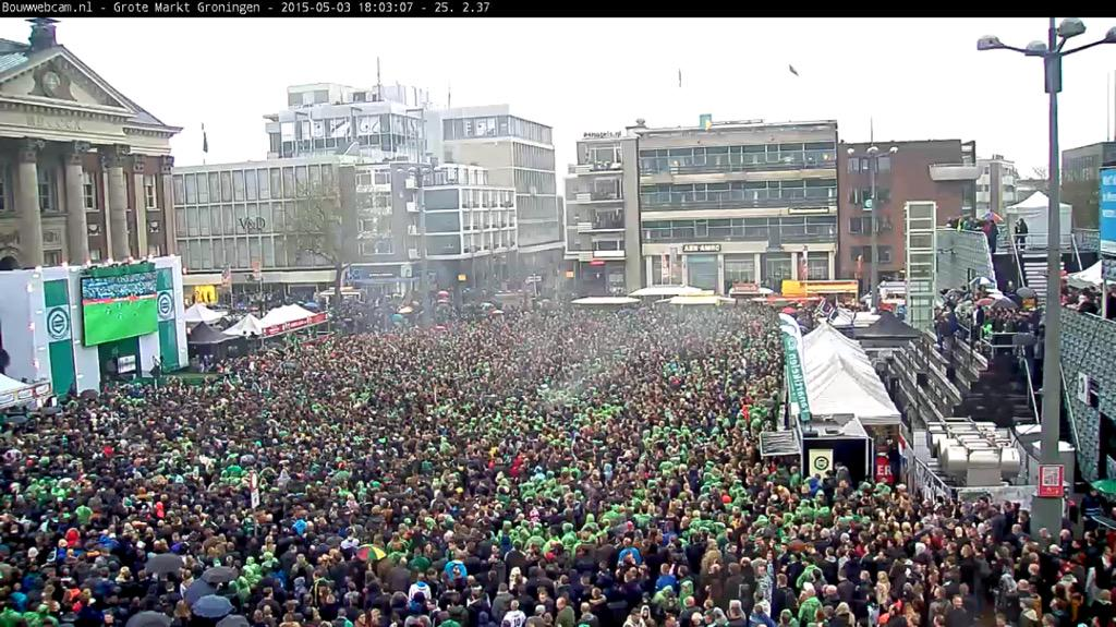 Has the Grote Markt in Groningen ever been so full? #bekerfinale http://t.co/qD5hjxuoVB