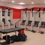 El vestuario recibió a los jugadores pintado de rojo y blanco. ¡Vamos, #River! #Superclásico http://t.co/RJ7zSFuYMm