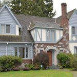 #Vancouver house sells for $2 million over asking http://t.co/6qR3r4Y9of http://t.co/elZneFDTYD