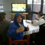#Superclasico ¿Cómo vivís el partido? Mandanos tu foto con el HT #Alentandooo. http://t.co/URObLz7h5D