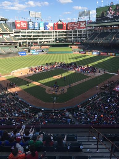 All the Rangers left stranded on bases Sunday gather for group photo http://t.co/P0sO0i7kxo