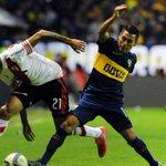 #Superclasico | Con una ráfaga en el final, #Boca venció a #River y queda como único líder http://t.co/B9V1tJag5U http://t.co/1WKXUrF6YE