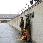 【New】「我々はナチスの犠牲者への責任がある」 メルケル首相が演説 http://t.co/k2l9LwJB4a http://t.co/gGG0ZcNcW2