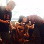 【ハマ・オカモト】 @DJ_TARO さんとのSTARWARSトーク! 盛り上がりましたね~!! 写真はハマ君も既にゲットしているというイウォーク族の代表「ウィケット」と!(^^)! #jwave #starwars http://t.co/DQJ2eTVFrN