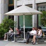 【働きかた】「少人数で成果を上げて、100%有給取得」 ドイツの働きかたは、日本とどう違うのか http://t.co/hbiojnZ2cB http://t.co/PzkrLySnOt