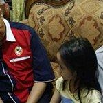 """#DUKE #MyviFamilia """"Tangkap orang yang langgar ayah saya"""", luah Nur Firuza Amira kepada Zahid http://t.co/myKfwN9VQb http://t.co/US5DvLKRky"""