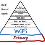 Маслоу-н онол өөрчлөгдөж хүний анхан шатны хэрэгцээ баттерей, wifi болж байна гэнэ дээ. Ккк http://t.co/StXCt8sHLV