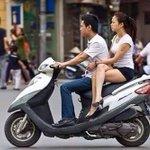 ยอมจริตการซ้อนมอเตอร์ไซค์ของเธอคนนี้ ผู้หญิงไทยดูไว้เป็นตัวอย่าง http://t.co/0RTbBWalKY