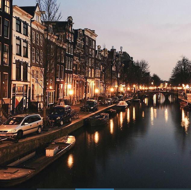 صورة رائعة من مساء امستردام . http://t.co/UnxJHxqZow