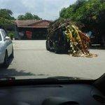 Breaking: cubaan ahli FMC mengaburi pengguna jalanraya lain. #MyviFamilia http://t.co/JBioHNsH3l