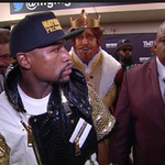 ICYMI: Burger King paid for king to walk in with Floyd Mayweather. Estimated to cost $1M+ http://t.co/hCj6TCEC42