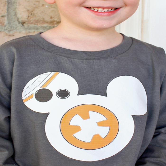 Happy #MayThe4thBeWithYou! Check out our DIY BB-8 shirt! #TheForceAwakens #StarWarsDay  http://t.co/gifNA75ekJ http://t.co/PJjOO3EavP