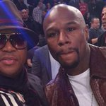 "Yhuuuu!! ""@MbalulaFikile: Would be funny if you didnt look like my armpit @Pasco_e: Mayweather takes a selfie with http://t.co/2PylSYe1WA"