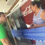 ????Platicamos con Doña Nidia de la colonia Jardines. Escuchamos sus inquietudes acerca del #IVDistrito. #PRIVerde http://t.co/P8FWG4y6np