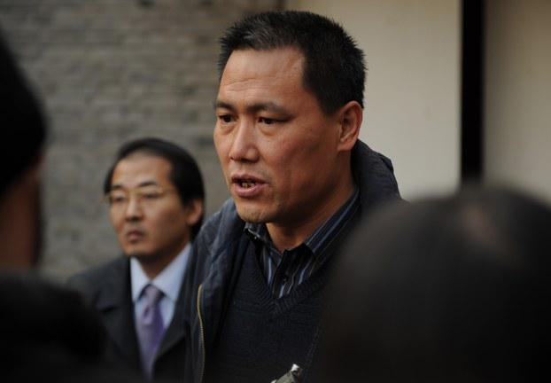 中国著名人权律师浦志强案被北京检察院再度延长审查期限。其委托的辩护人之一尚宝军律师星期一表示,检察院决定延长对浦志强的审查起诉期限15天,至本月20日。检察院须在15天被作出是否起诉的决定。http://t.co/EMePm7Mdtc http://t.co/D61yLGpW98