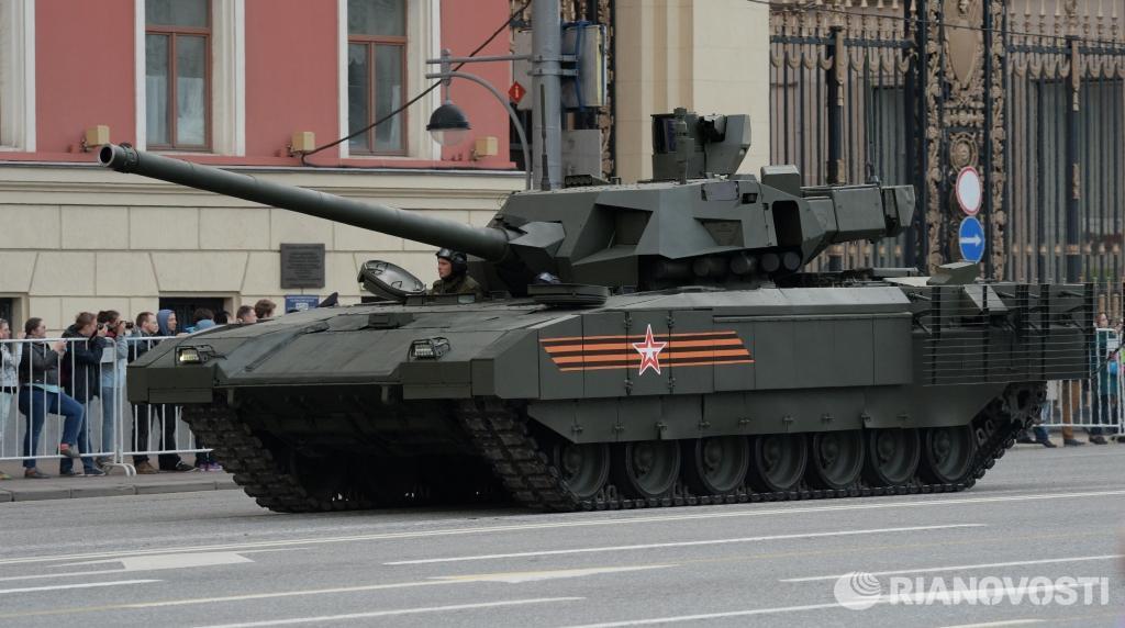 Танк Т-14 на гусеничной платформе «Армата» во время репетиции военного парада в Москве. Фото: Михаил Воскресенский http://t.co/LjwPhtADgZ