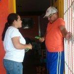 #ConTodoParaTodos continuamos visitando a los vecinos del Fracc. Siglo XXI #VamosConAleMoreno http://t.co/h7iv5qsPvb