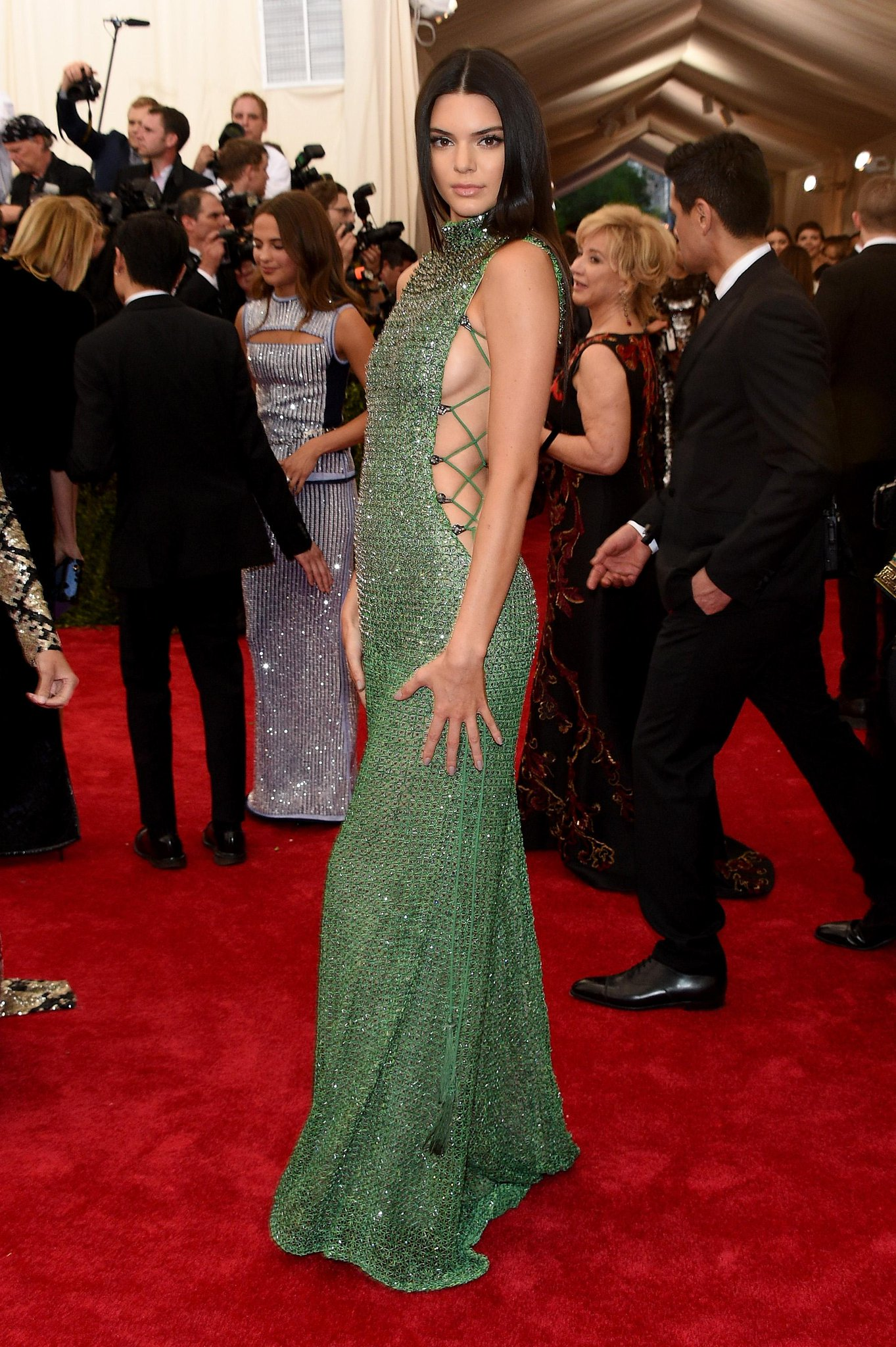 WOW. @KendallJenner absolutely killing it in a jade green @CalvinKlein Collection design. #MetGala http://t.co/pH5XCv6lkR